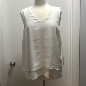 NWT White Banana Republic VNeck Shell with layers